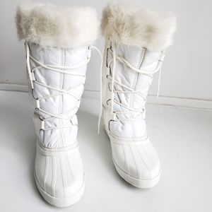 SOREL Winter Lace Up High Boots Size 7.